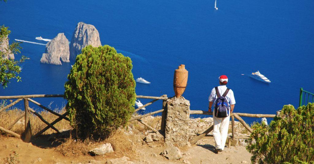 Escursione a Capri: vista sui Faraglioni
